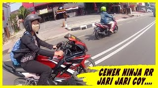 Download Video CEWEK NAIK NINJA 150 RR JARI JARI...SADESSS!!! MP3 3GP MP4