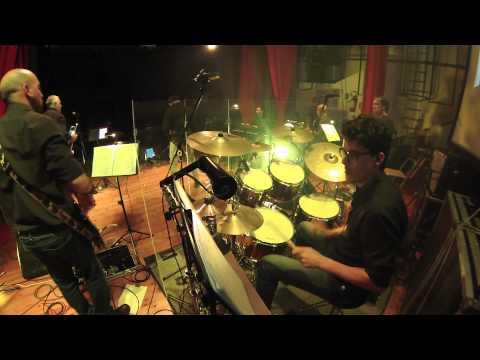 Viento 'e terra - Dario Li Voti plays Pino Daniele in MarsalaRicordaPinoDaniele видео