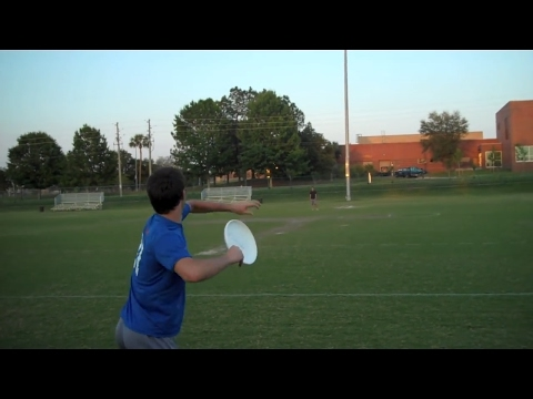 Hammer - Brodie Smith teaches how to throw the hammer. Facebook l http://facebook.com/brodiesmithultimate Twitter l http://twitter.com/brodiesmith21 Disc/Frisbee Stor...