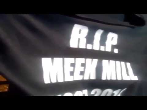 "50 Cent Holds Up a ""R.I.P Meek Mill"" Shirt During a Bay Area Show LOL! (VIDEO)"
