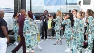 Jamie Foxx teaches Ciara to dance at BET Awards