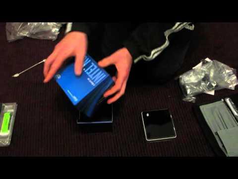 Intel NUC Unboxing, Assembly SSD + RAM (NUC6i5SYK Skylake)