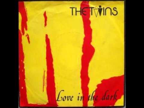 Tekst piosenki The Twins - The Golden Ring po polsku
