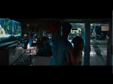 Safe Haven (Featurette 'Jo')