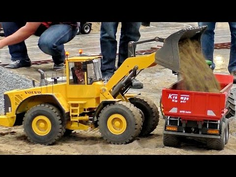 VOLVO L220E HYDRAULIC RC WHEEL LOADER 1:8 SCALE MODEL AT THE HARD WORK