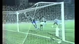 Roberto Carlos acerta quase do meio campo, um dos gols mais bonitos de sua carreira, no estádio Palestra Itália. E eu estava lá!