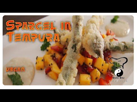 Spargel in Tempura gebacken mit Erdbeer Mango Salat