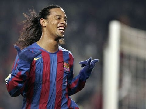 Ronaldinho-Barcelona-Skills And Smile-2011-2012-HD