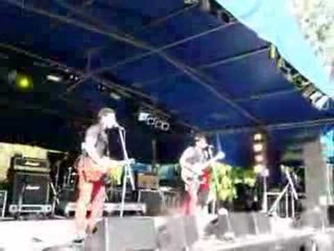 "The Matches @ Soundwave Brisbane - ""Morning"" + ""Suicide"""