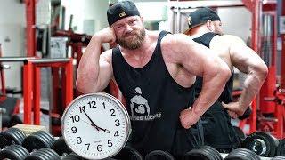 """Wie lange sollte ich beim Training zwischen den Sätzen Pause machen? Gibt e die BESTE Pausenlänge für Muskelaufbau?!? Mehr Videos zum Thema Bodybuilding, Fitness & Kraftsport findet Ihr in meinem Kanal - Abo ►►► http://goo.gl/IuqdXFMein Water Whey Protein ►►► http://amzn.to/2iRV11Z ✔Mein Shake nach dem Training ►►► http://amzn.to/2jGiZku ✔Mein Omega3 Fischöl ►►► http://amzn.to/2jTItZs ✔Meine Funktions Hosen ►►► http://amzn.to/2k7WGBp ✔5 HTP ►►► http://amzn.to/2lPthxH ✔Vitamin D ►►► http://amzn.to/2lPpwIp ✔Magnesium Spezial ►►► http://amzn.to/2s12rsz ✔ Protein Riegel ►►► http://amzn.to/2r8jiK0 ✔Mein Video-Equipment:Premium Cam für beste Bilder ►►► http://amzn.to/2rnY9e2 ✔Vlogging Cam ►►► http://amzn.to/2qEwrbO✔Profi Microfon ►►► http://amzn.to/2r2ocYt ✔Personaltraining & Business ►►► http://goo.gl/I20D7B Meine T-Shirts ►►► http://goo.gl/2vgWzI Facebook ►►► http://goo.gl/y9sWriInstagram ►►► http://goo.gl/Mc5glD Meine Nahrungsergänzungen & Supps ►►► http://goo.gl/mKf5UuMeine ONLINE Tests ►►►https://www.cerascreen.de(10 % Rabatt mit CODE - JL10)   Meine Superfoods hier ►►► http://goo.gl/oJlvP3(5% Rabatt bei Koro mit Rabatt Code = johannes) Meine Lebensmittel von Fittaste ►►► http://goo.gl/VR8zLS(10% Rabatt mit Rabatt Code = johannes10)Musik im Video:➤ Youtube https://goo.gl/8Ra2OM➤ Spotify http://goo.gl/P5qYf5➤ Amazon http://amzn.to/2iIQ7sT ✔➤ iTunes http://goo.gl/Xoj2sk► Amazon Affiliate Links: Mit """"✔"""" markierte Links sind sogenannte Affiliate-Links. Durch einen Einkauf über diese Links werde ich mit einer Provision beteiligt. Für Euch entstehen dabei selbstverständlich keine Mehrkosten! Danke für Eure Unterstützung!"""