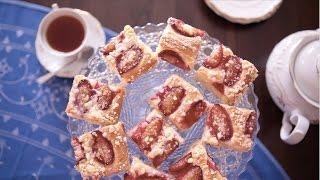 Pflaumenkuchen aus Hefeteig mit Streuseln