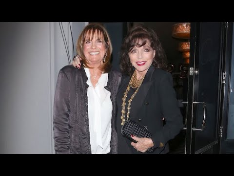Joan Collins Defies Her Age As She Strikes A Glamorous Pose At Craig's