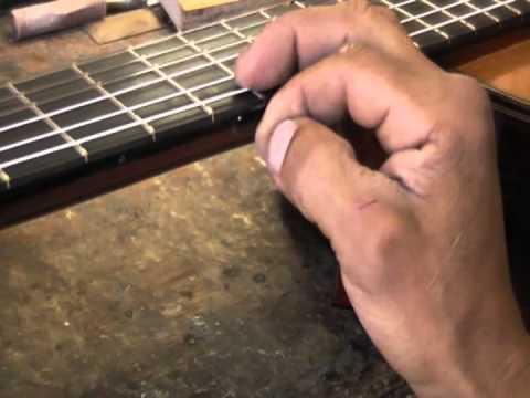 Taller del Luthier Samuel Carvalho - Marcas en trastes 5 y 7