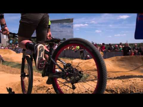 Cyclists race in first dirt pump track – Red Bull Berm Burners