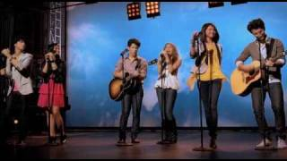 Miley Cyrus, Jonas Brothers, Demi Lovato & Selena Gomez videoklipp Send It On