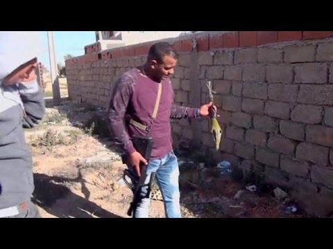Τυνησία: Δεκάδες νεκροί σε μπαράζ επιθέσεων τζιχαντιστών στα σύνορα με την Λιβύη
