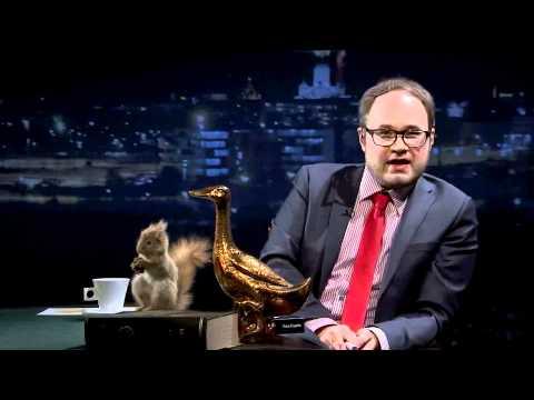 Tuomas Enbuske Talk Show - Jakso 1 - Vieraina Sara Chafak ja Gustav Hägglund tekijä: tvviisi