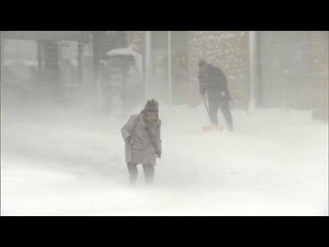Schneestürme über Japan lösten ein Verkehrschaos au ...
