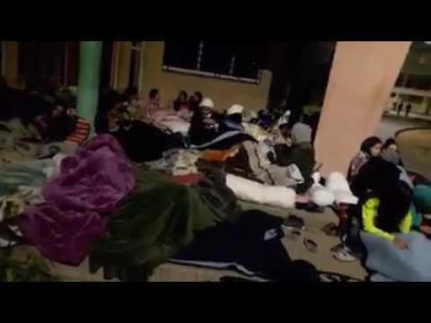 احتجاج طالبات بالمبيت في العراء