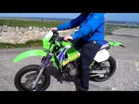 2001 Kawasaki KMX 125 Start Up And Fly By