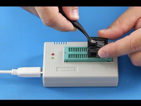 MiniPRO TL866CS USB Universal Flash EEPROM Programmer