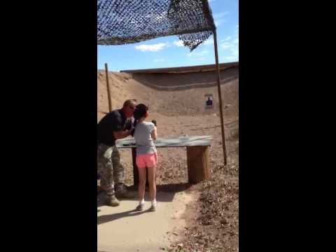 see - Read more: http://www.bnowire.com/2014/08/26/update1-9-year-old-girl-shoots-kills-arizona-shooting-instructor/ In this video taken on Monday, August 25, 2014, at an outdoor shooting range...