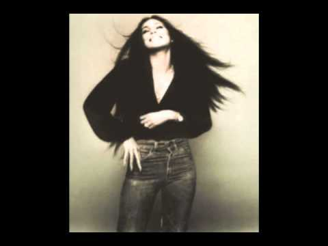 Tekst piosenki Cher - It's a Cryin' Shame po polsku