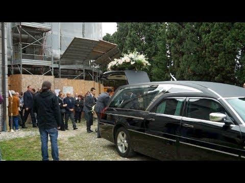 Arsago Seprio, l'ultimo saluto a Erica