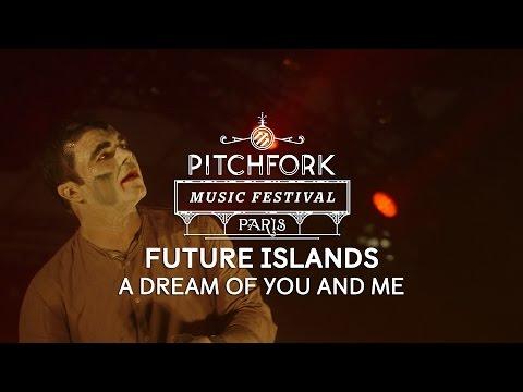 "Future Islands perform ""A Dream of You and Me"" – Pitchfork Music Festival Paris"