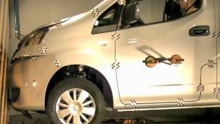 Crash test delantero Nissan Nv 200 en Cesvimap