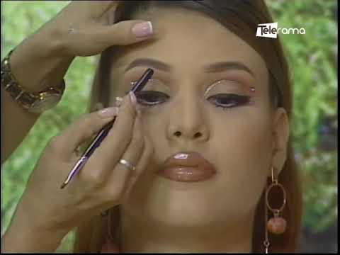 Aprenda a realizar un maquillaje con cristales
