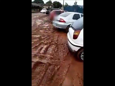JARDIM ALEGRE   Vídeo mostra lamaçal em creche
