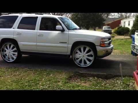Charger on 26s mustang on 24s tahoe on 28s