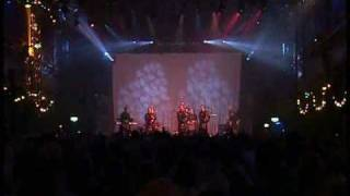 Red Hot Chilli Pipers - Smoke On The Water and Thunderstruck