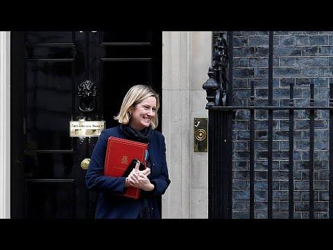 Großbritannien: Brexit-Aufschub? Gleich 3 Minister erhöhen Druck auf May