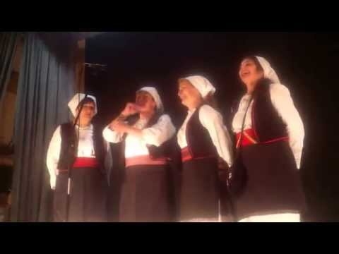 Ženska pevačka grupa BANIJA Beograd:Prelo prelim, nije mi do prela