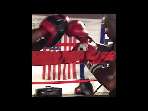 Ke'Andre Gibson training at St. Louis Sweat Boxing gym !
