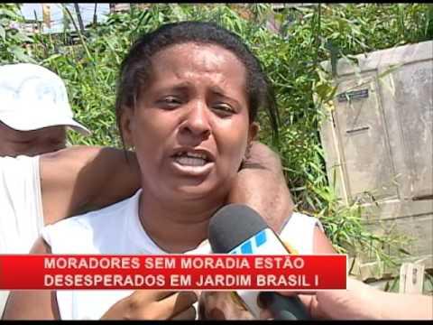 [RONDA GERAL] Famílias que moravam às margens do Canal da Malária têm barracos destruídos