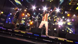 2 Chainz - Feds Watching (On Jimmy Fallon) (Live) lyrics (French translation). | [Intro: Pharrell & 2 Chainz]