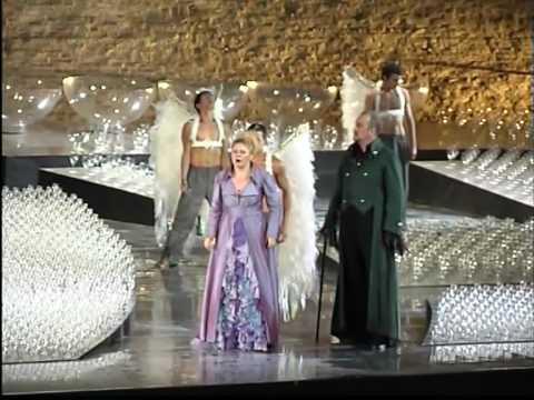 Puccini Tosca-Scarpia-2-Atto primo Sferisterio Macerata 2005