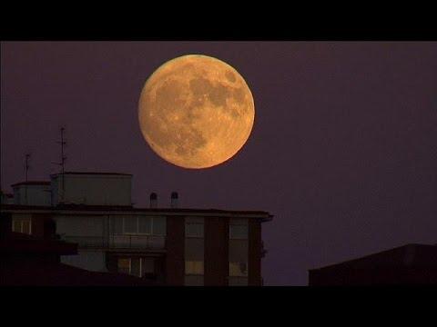 Φεγγάρι μου… λαμπρό!