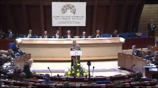 توكل كرمان تلقي كلمة تاريخية وقوية عن الربيع العربي ونصرة سوريا أمام المنتدى العالمي الأول للديمقراطية 8 10 2012