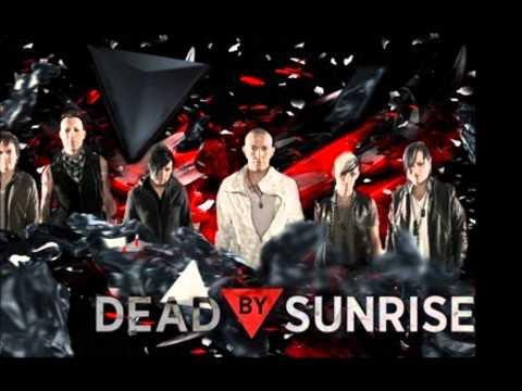 Tekst piosenki Dead By Sunrise - Walking In Circles po polsku