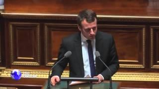 Video C'est Canteloup - Emmanuel Macron se pisse dessus MP3, 3GP, MP4, WEBM, AVI, FLV September 2017