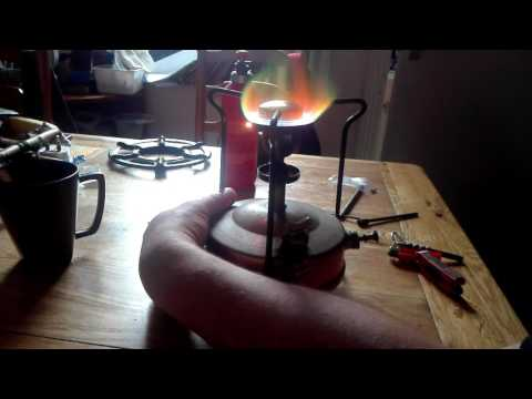 Firing up the valor model 55 pressure stove for the first time.