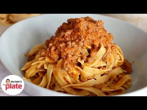 How to Make BOLOGNESE SAUCE like an Italian