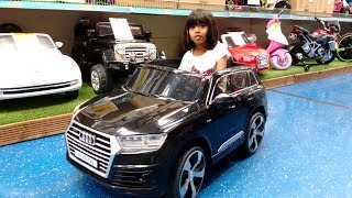 Check out this cute little girl riding Power Wheels cars at Smyths Toy Store! Amani loves Ride On vehicles and Power Wheels Cars. This Little girl rides an Audi Q7, red ferrari, Green Digger truck and showcases other Ride On cars too!Check our Awesome Videos:https://www.youtube.com/watch?v=jBIiwxpFK4c&list=PLzahQAalW-PgGFBK2ej2w-elb6BEC6ly4Our Fun Ride On Videos:https://www.youtube.com/watch?v=W5Ia-QfGWOo&list=PLzahQAalW-PgDVj590PlF9K06iw6ZTlv3Superhero & Princess Action Videos:https://www.youtube.com/watch?v=jR75lmudg40&list=PLzahQAalW-Pg47AHlXl1Tf1z5T9oYbSXoShopping & Days Out:https://www.youtube.com/watch?v=22fCmnnULNw&list=PLzahQAalW-PiyVi7AHw7-LDJGIKxc1zGNToy in other Languages: खिलौने, brinquedos, ของเล่น, اللعب, igračke, đồ chơi, oyuncaklar, leksaker, juguetes, играчке, игрушки, jucării, тоглоом, leker, اسباب بازی, zabawki, 장난감, トイズ, giocattoli, mainan, játékok, צעצועים, Hračky, legetøj, speelgoed, laruan, jouets, Spielzeug, ΠαιχνίδιαNadia Amani Toys is a fun channel where we do Toy reviews and unboxing, Playtime fun, Power Wheels Unboxing, Games and challenges, family days out, fun activities and more! We love kids YouTube Channels so we asked our dad to help us make our own! So guys can you please LIKE-COMMENT-SUBSCRIBE to our channel and help Nadia Amani Toys grow. Thank you.