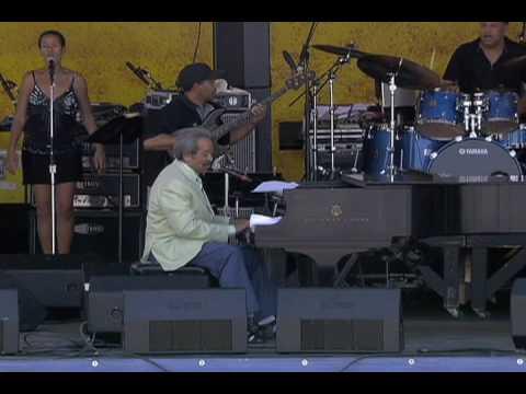 Allen Toussaint at the 2007 New Orleans Jazz & Heritage Festival online metal music video by ALLEN TOUSSAINT