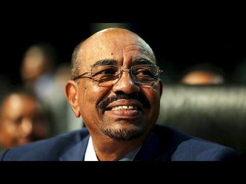 Ν. Αφρική: Για τη χώρα του έφυγε ο Σουδανός πρόεδρος αψηφώντας δικαστική απόφαση