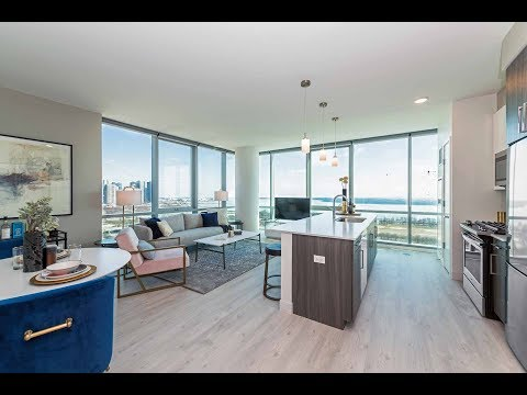 A 1-bedroom model with great views at the South Loop's Essex on the Park